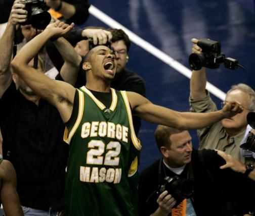 ncaa-george-mason-connecticut-basketball